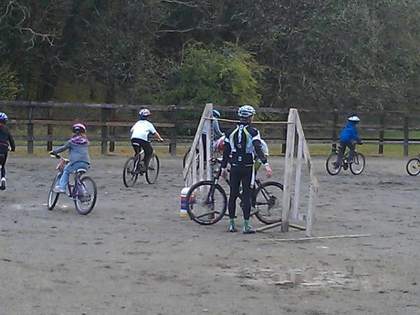 Mountain bike Dirt School